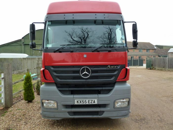 Mercedes-benz Axor 25 12.0 2543 Rigid Diesel Red